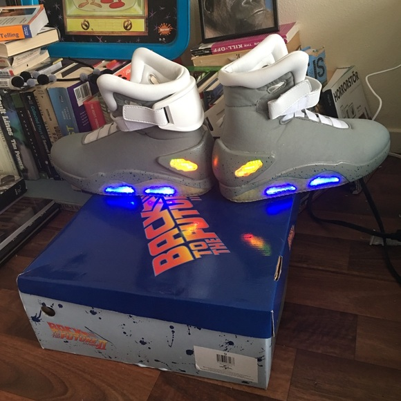 98a87d790d29d2 detailed pictures 8ad88 2e078 BACK TO THE FUTURE 2 Marty McFly shoes  official ...